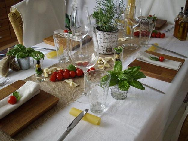 Party Table Decoration Ideas Celebrating Italian Theme  : party table decoration italian theme noodles edible herbs 1 from www.decor4all.com size 625 x 469 jpeg 48kB