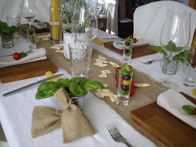 burlap fabric and glasses for table decoration