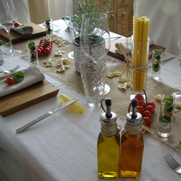 table decoration in italian style and red and green colors