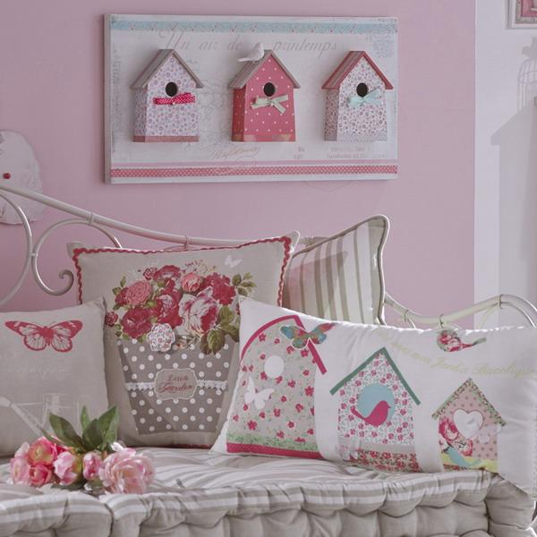 pink wall paint and pink home fabrics