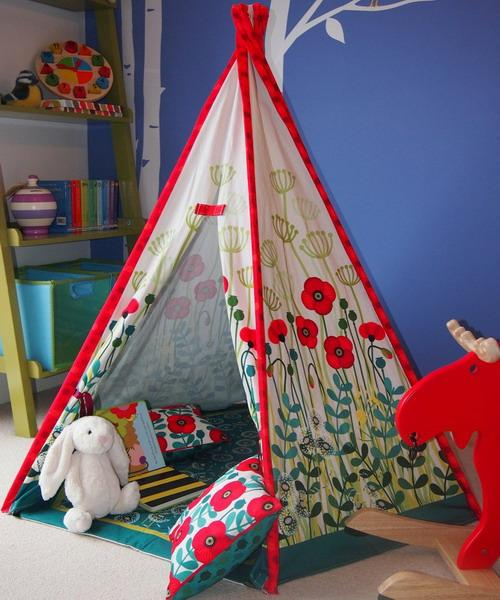 A Ton Of Rooms With Colorful Toys: 20 Eco Friendly Teepee Designs Adding Coziness To Kids