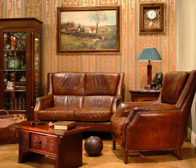 Modern Interior Decorating With Paintings