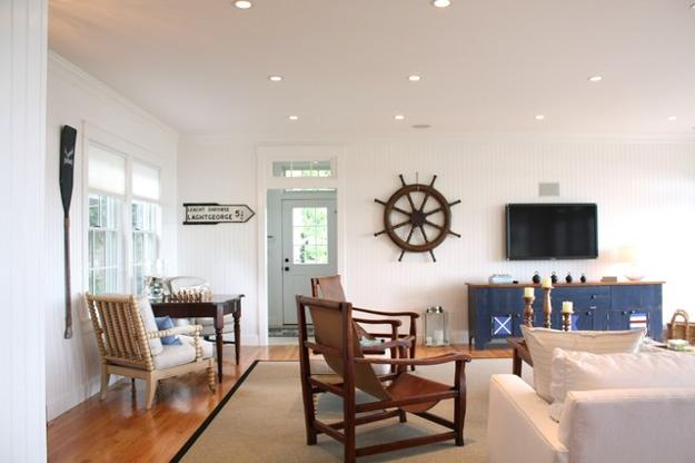 Living room with nautical decor theme ship wheel wall decoration & Nautical Decor Ideas Enhanced by Vintage Ship Wheels and Handmade ...