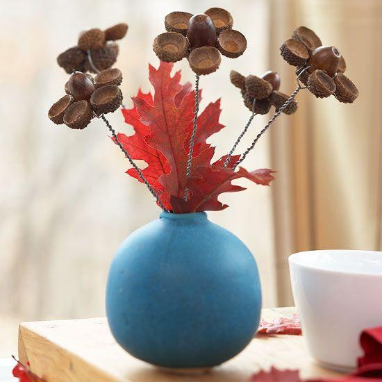 25 acorn table centerpieces bring natural feeling in for Acorn decoration ideas