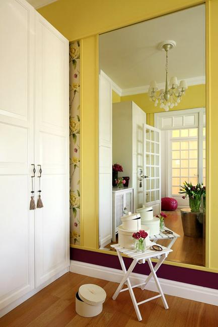 Bright Decorating Colors Turning Small Apartment into Romantic Oasis