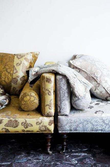 Latest trends in home decorating fabrics for comfortable for Modern home decor fabric