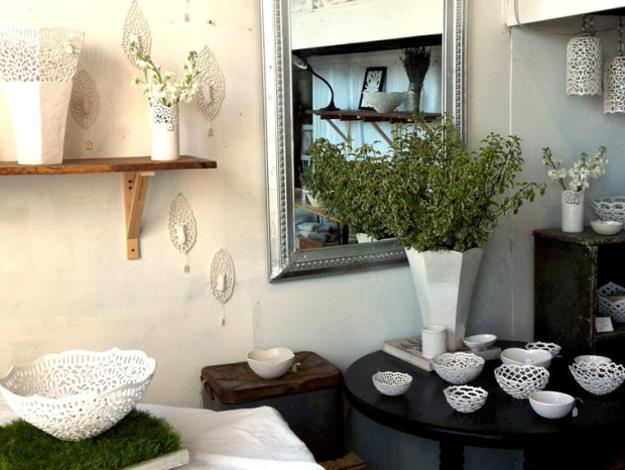 decorative vases and bowls, porcelain lamps and plates