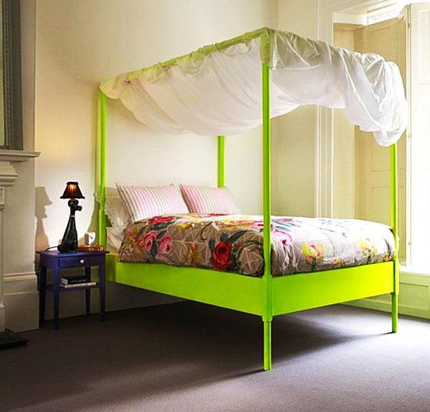 Old new decor 25 ideas for modern interior decorating for Bright yellow bedroom ideas