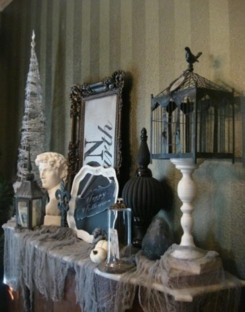 simple and unique black and white ideas for halloween decorations in vintage style
