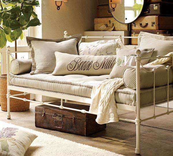 White Daybed Room Ideas Color Schemes