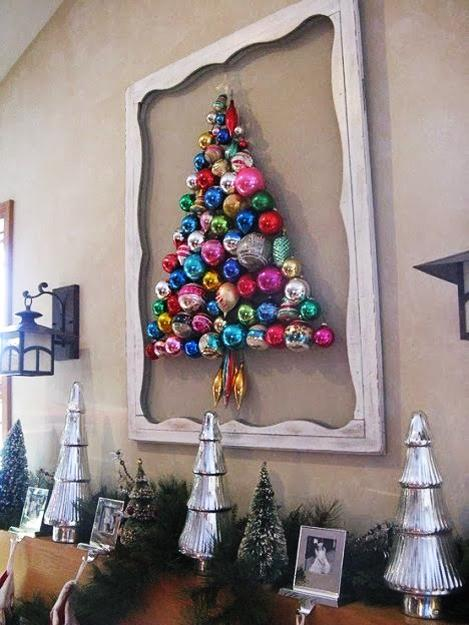 Creative Way To Reuse And Recycle Old Christmas Balls For Wall Decorating