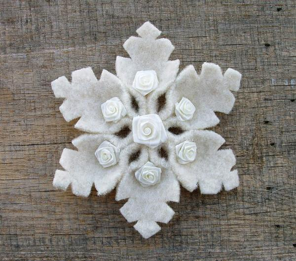 22 Felt Christmas Crafts Homemade Tree Decorations