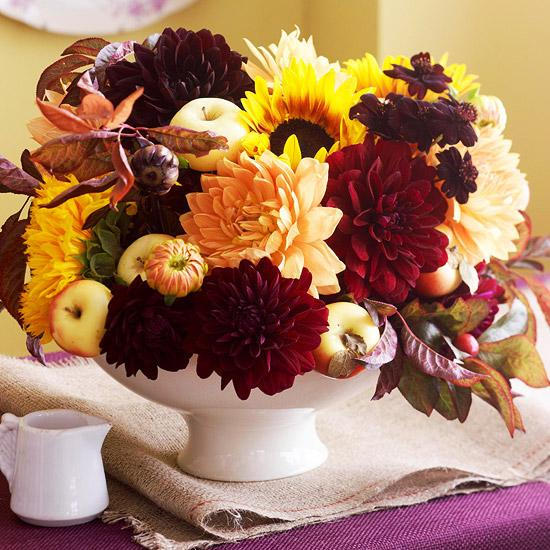 Floral Decorating Ideas: 25 Fall Flower Arrangements, Thanksgiving Table