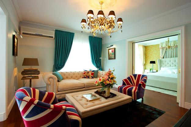 Small Apartment Ideas Blending Patriotic Decoration Colors