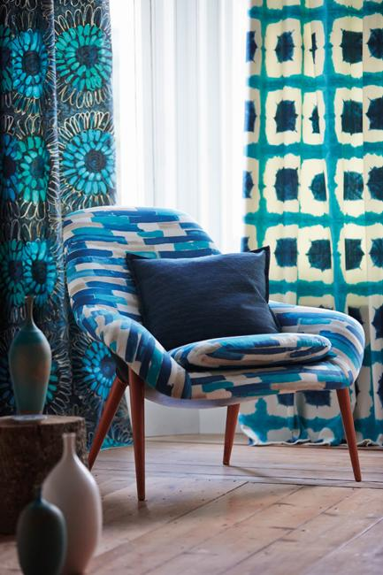 Colorful And Beautiful Wallpapers And Home Fabrics For Modern Interior Decorating