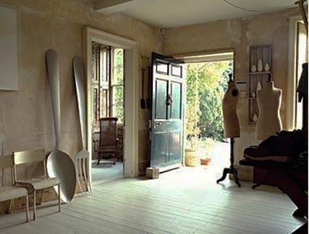 modern interior decorating ideas with folk and spoon-themed