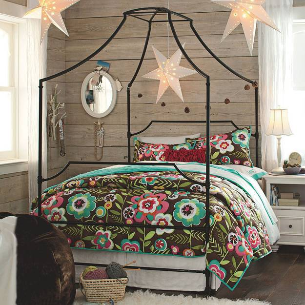 Canopy bed designs adding romance to modern bedroom decorating ideas - Contemporary canopy bed for a royal room ...
