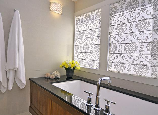 Roman shades for modern kitchens and bathroom decorating for Contemporary kitchen window treatment ideas