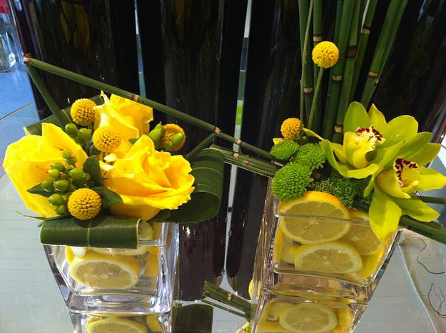 Modern ideas for table decoration with lemons and