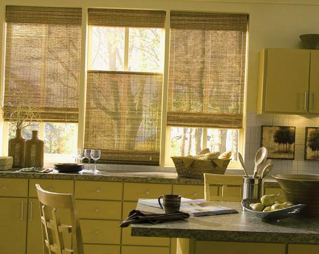 Roman shades for modern kitchens and bathrooms decorating for Kitchen roman blinds contemporary