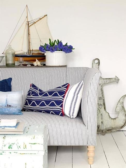 Modern interior decorating with blue stripes and nautical for All modern accessories