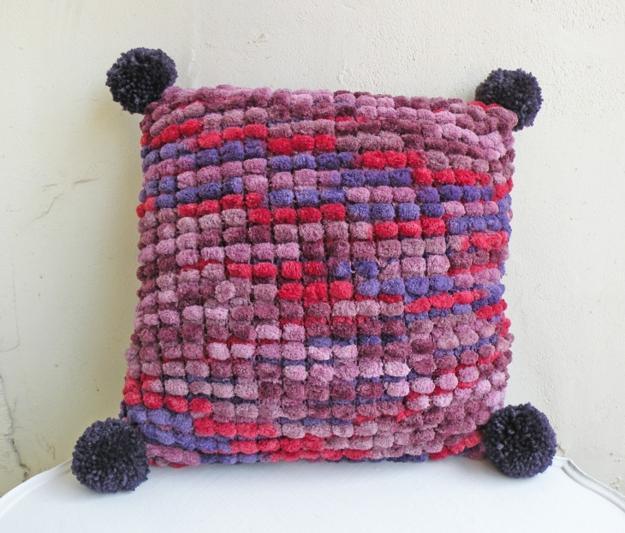 30 pompom home accessories handmade decorative accents for Pom pom craft patterns
