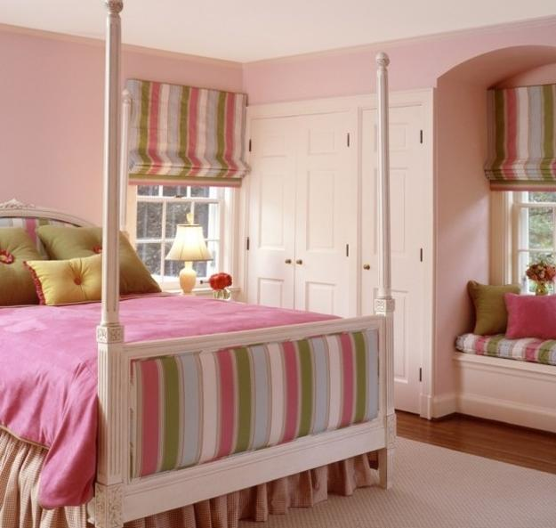 room decorating with vertical stripes