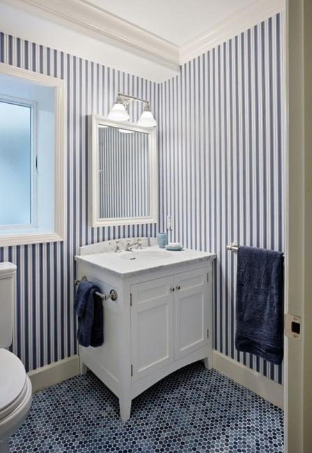 Bathroom Design Ideas With Stripes ~ Modern interior decorating with stripes in white and blue