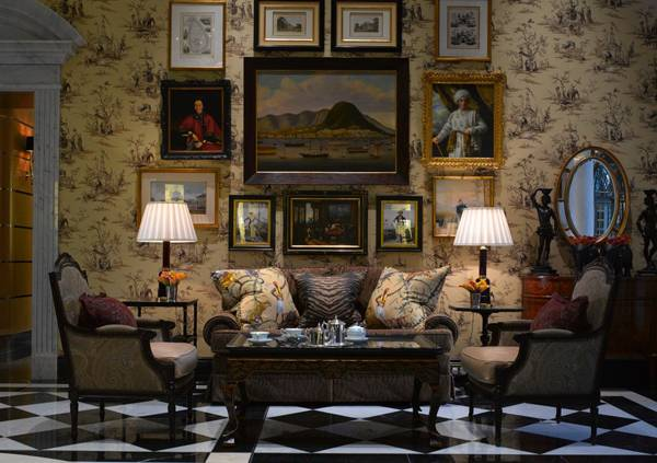 10 Beautiful Chic Interior Decorating Ideas in Classic Style