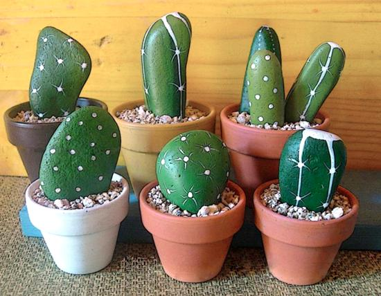 Home decorating with cacti and handmade cactus home for Decoration jardin galet