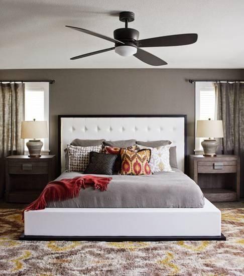 interior decorating with neutral colors and bright accents