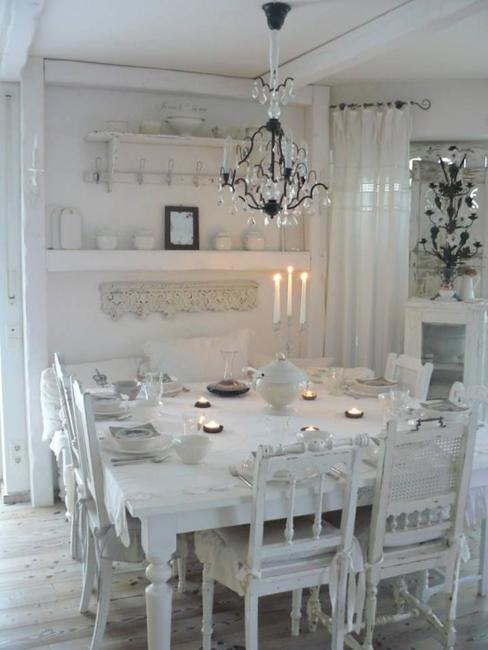 25 Ideas For Classic Dining Room Decorating With Vintage