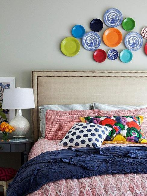 21 Modern Wall Decor Ideas Using Decorative Plates