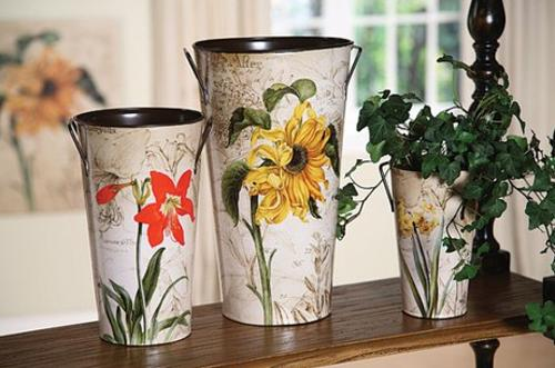 summer decorating with flowers, floral fabric prints and flower designs