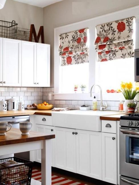 Modern Kitchen Decor With Colorful Fabric Roman Shades