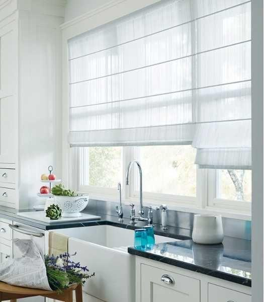 20 beautiful window treatment ideas for kitchen and bathroom decorating roman shades. Black Bedroom Furniture Sets. Home Design Ideas