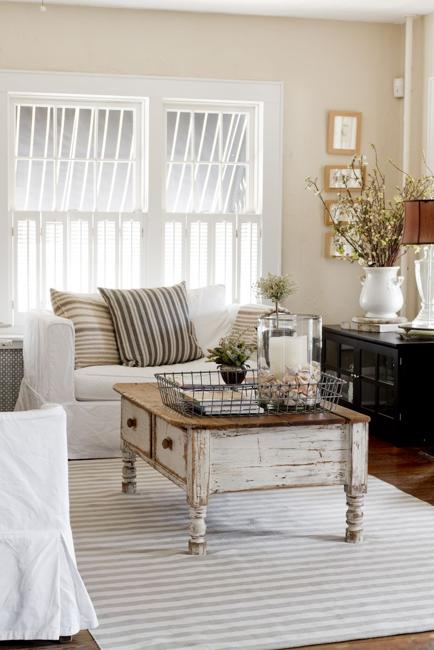Elegant Living Room Designs: Mixing Gray And Brown Colors With White Decorating Ideas