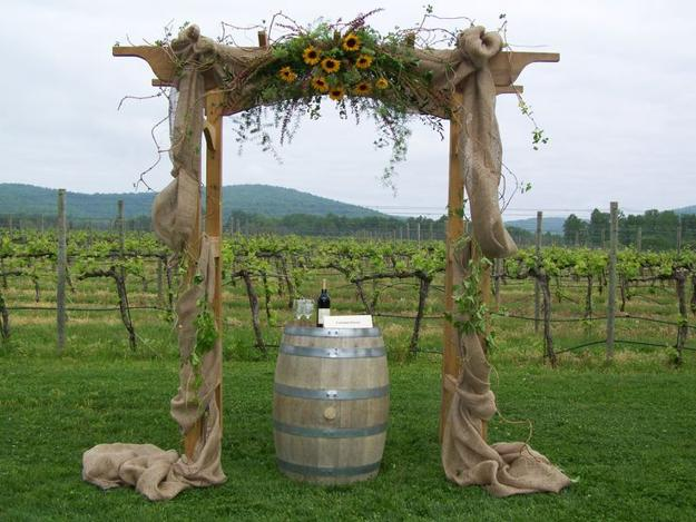 Wedding Decorations Made With Burlap