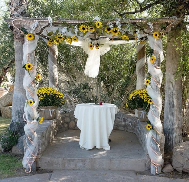 wedding ideas using sunflowers beautiful flowers and unique sunflower wedding decorating 28340