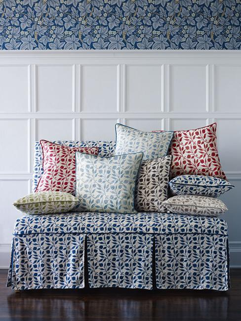 Beautiful home fabrics and wallpaper patterns bringing for Wallpaper home fabrics