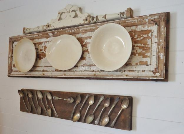 decorative accessories for empty walls decorative plates arrangement ideas