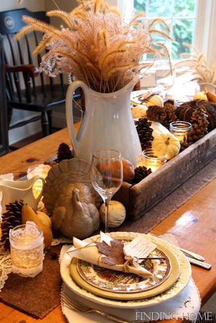 turkey pinecone centerpiece idea
