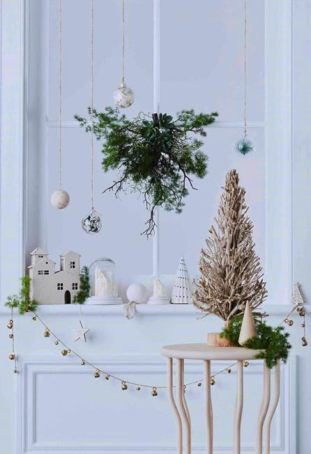 neutral colors christmas decor