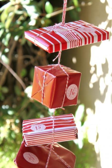 handmade christmas garland calendar
